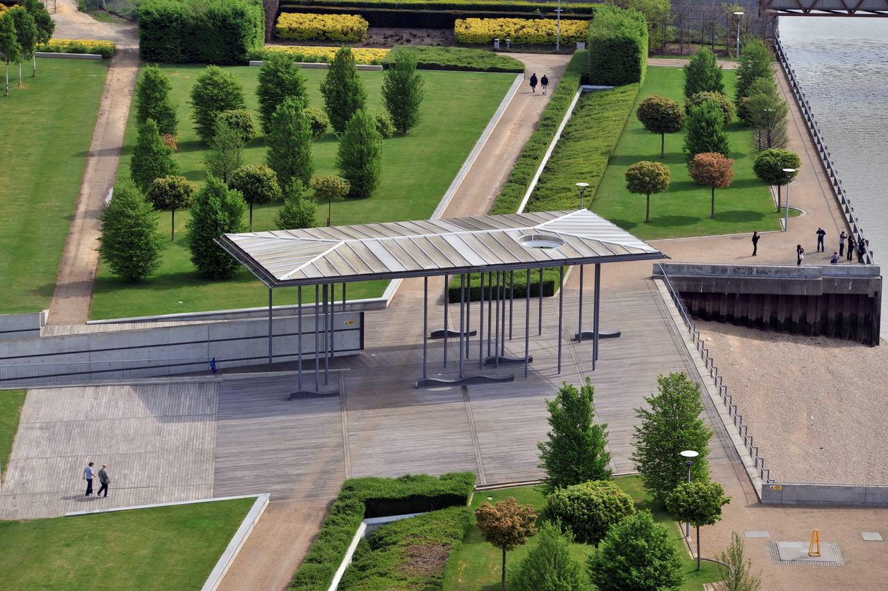 Thames park Signes_32_redimensionner